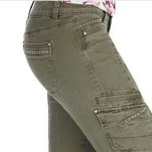 White black house Market utility slim ankle jeans